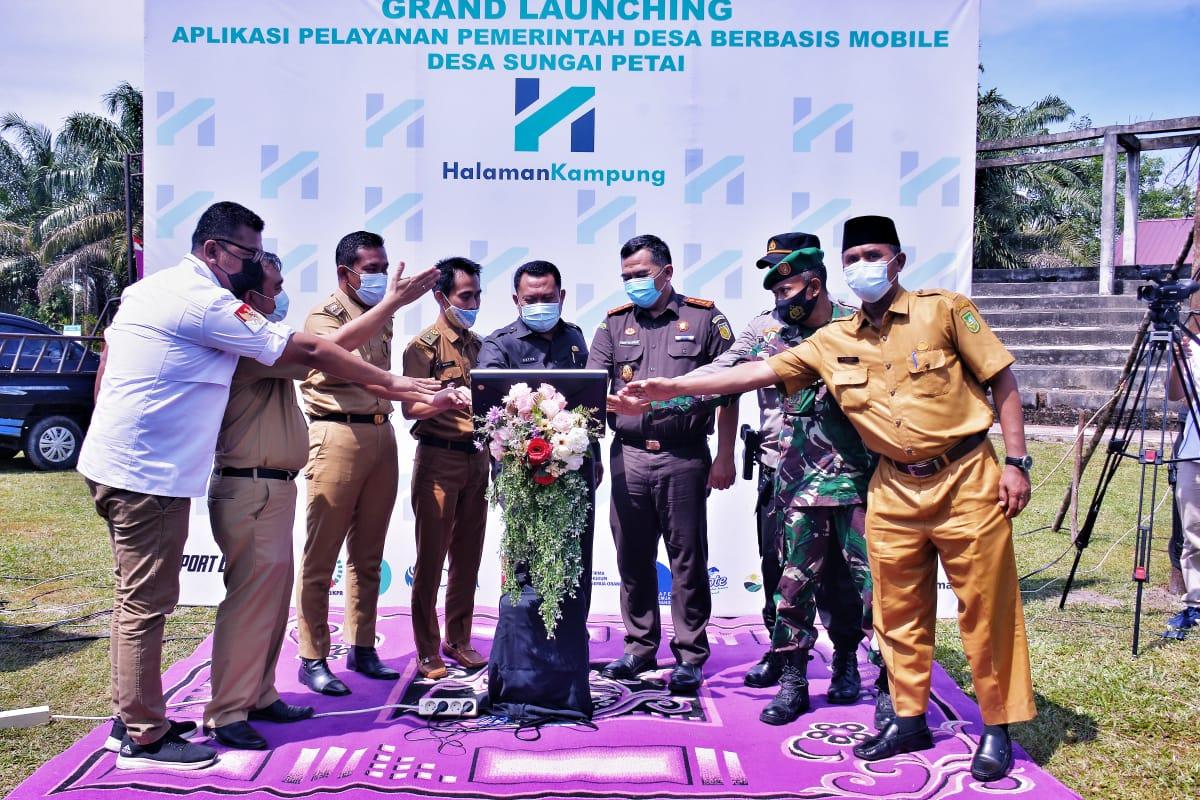"""Bupati Kampar Lakukan Grand Launching """"Halaman Kampung"""" Perdana di Sumatera"""