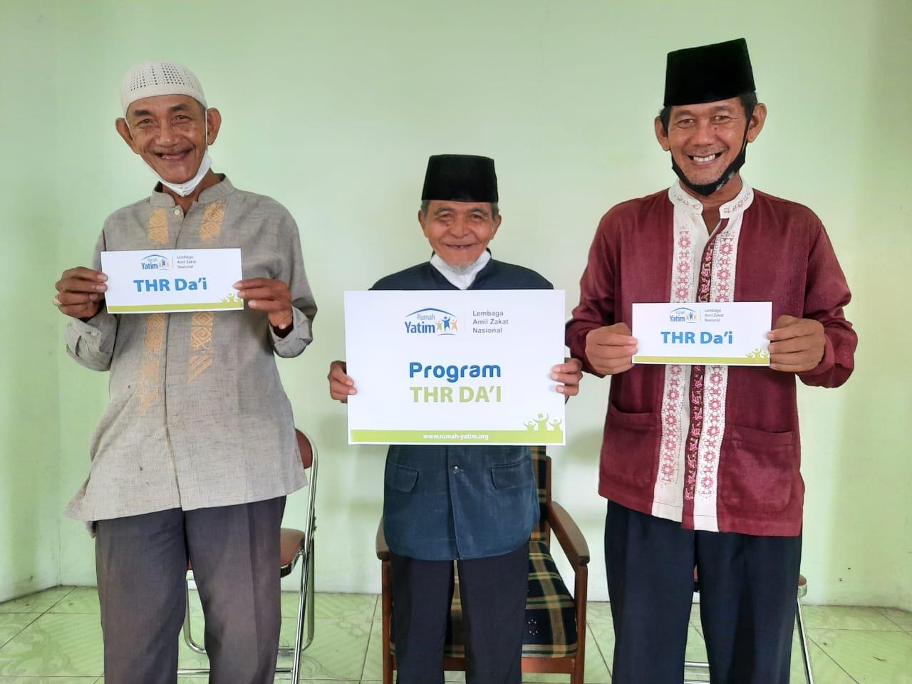 Rumah Yatim Berikan Program Bantuan THR Da'i untuk Para Mubaligh Pekanbaru
