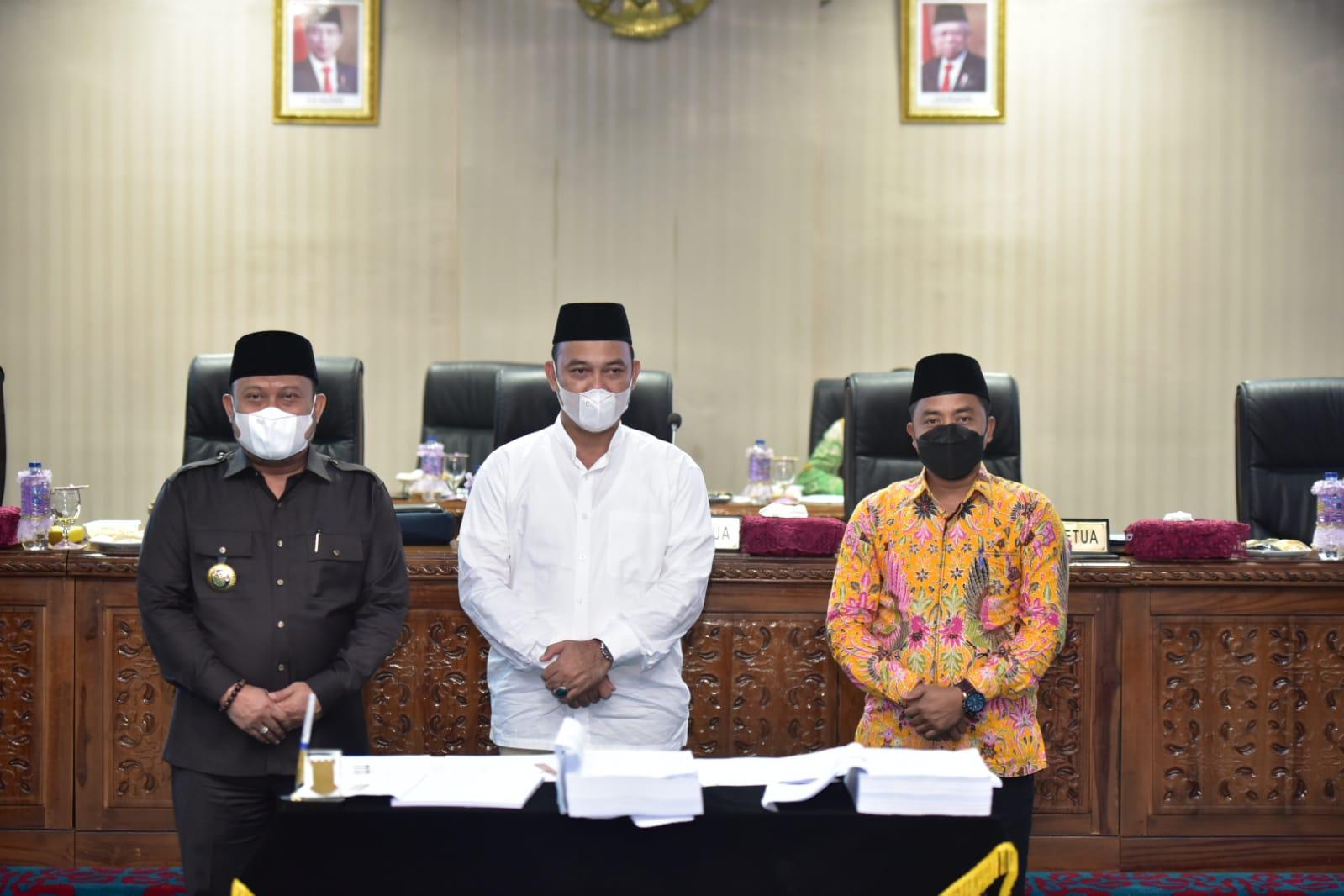 Bupati Kampar Dan Ketua DPRD Kampar Tandatangani Nota Kesepakatan KUPA-PPAS P-APBD Tahun 2021
